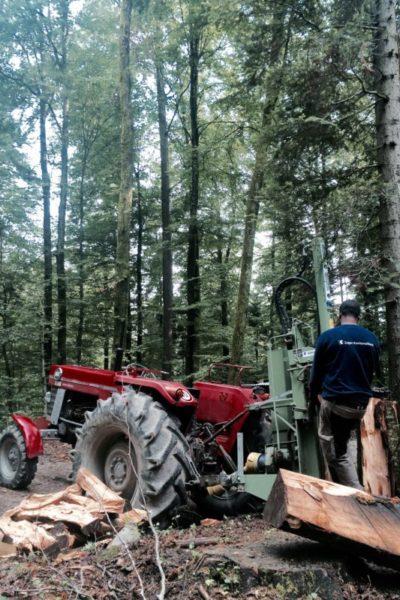 Seite_7_Spalten mit Traktor